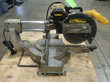 "12"", DEWALT DOUBLE BEVER SLIDING COMPOUND MITER SAW, MODEL#DW708, USED"